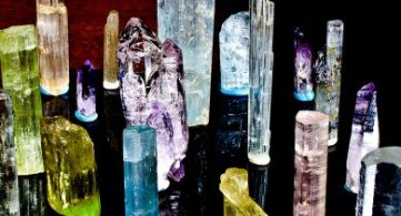 How to Use Crystals for Healing